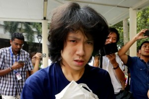 Singaporeans Question Amos Yee's Lawyers Who Ask For Non-Christian Judge.